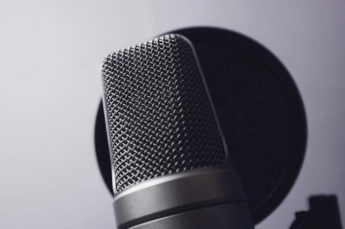 Shure SM58 VS RODE NT-1A: Microphone Shootout