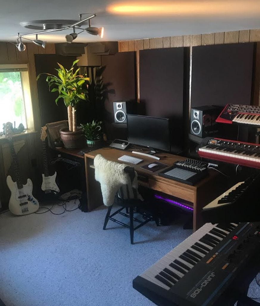 Strange Music Studio Interior Design 7 Setups To Inspire Your Download Free Architecture Designs Oxytwazosbritishbridgeorg