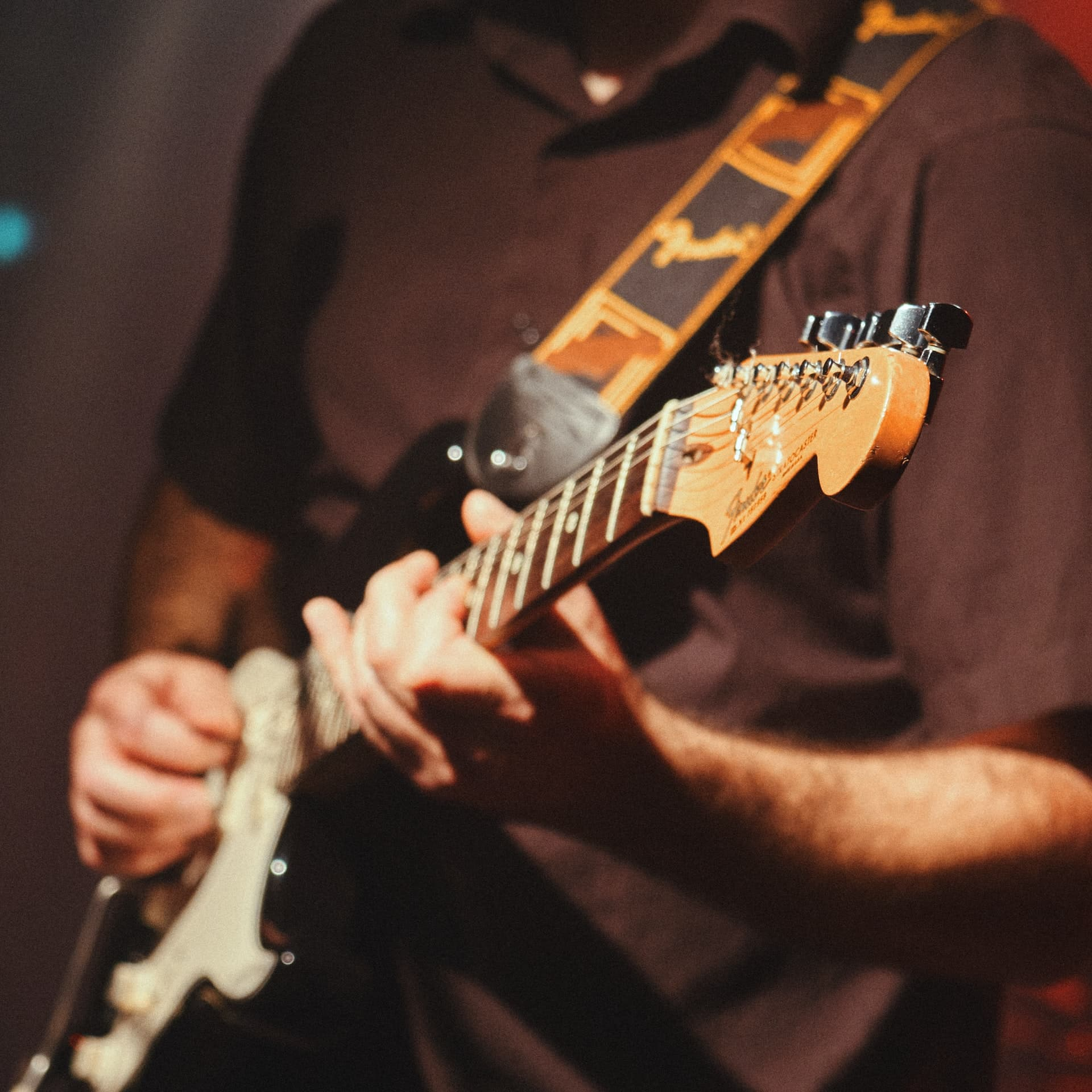 How To Find Your Own Guitar Tone (My 5-Step Process)